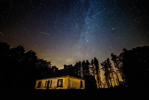 perseids meteor shower galway clonbern night dark stars milkyway huse