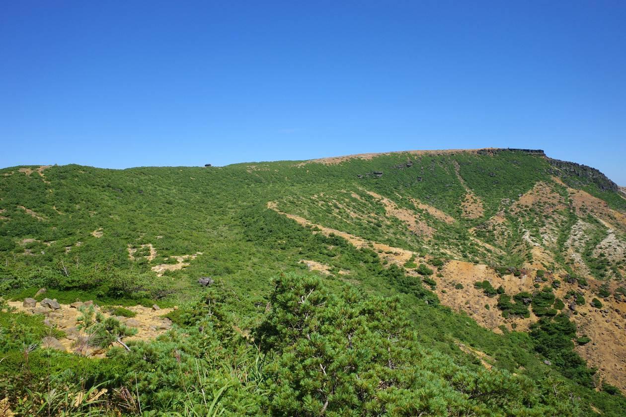 安達太良山・鉄山の稜線