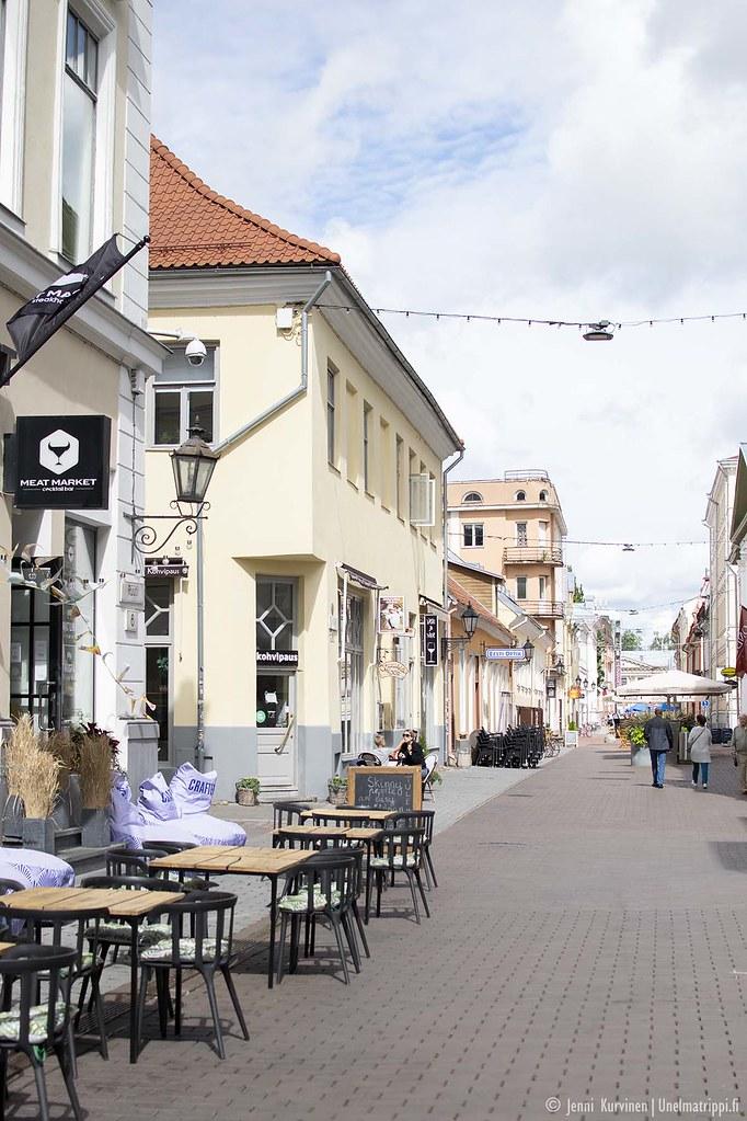 Tarton vanhankaupungin kaduilla on viihtyisää ja kaunista.