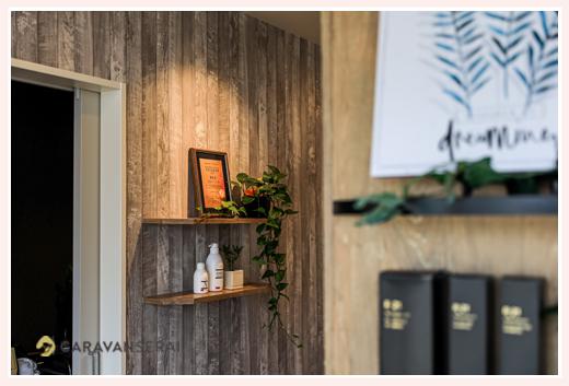 美容室の内観写真