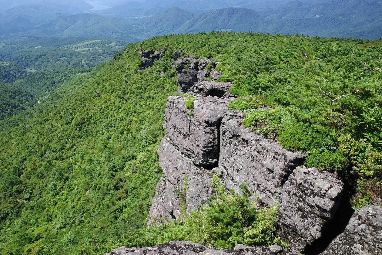 沼尻ルート 断崖絶壁の登山道