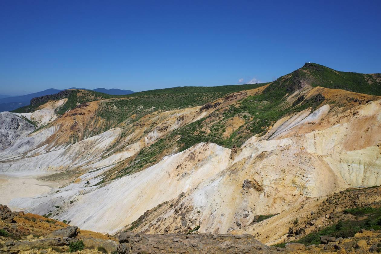 安達太良山火口周辺の景色