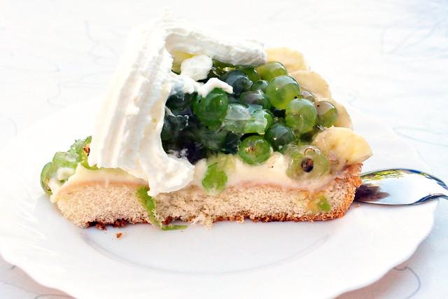August 2020 ... Marianne backt köstlichen Traubenkuchen ... aus Trauben MIT Kernen ... Brigitte Stolle