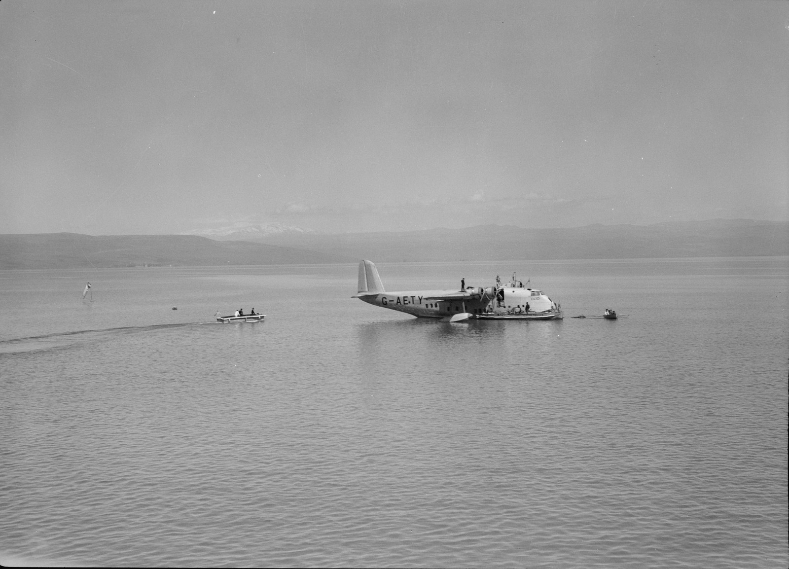 12. Летающая лодка Imperial Airways «Клио» на Кинерете