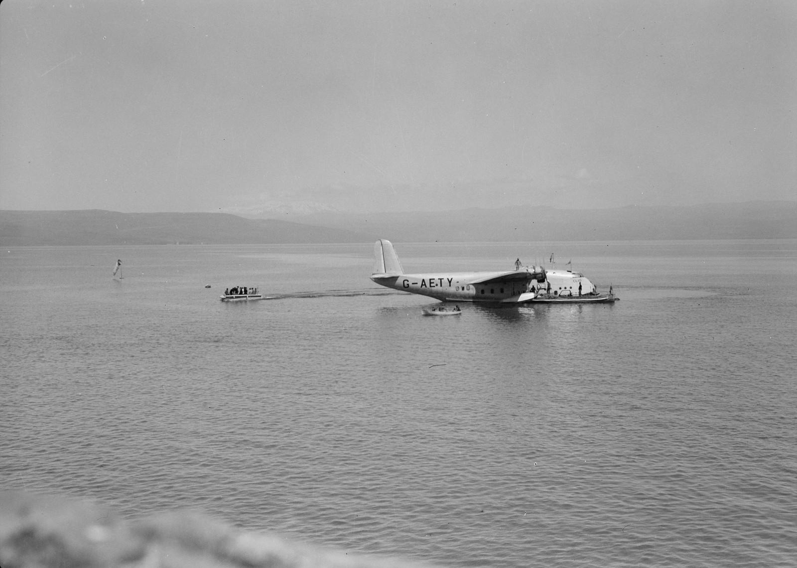 11. Летающая лодка Imperial Airways «Клио» на Кинерете