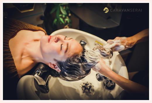 シャンプー施術 美容室の宣材写真