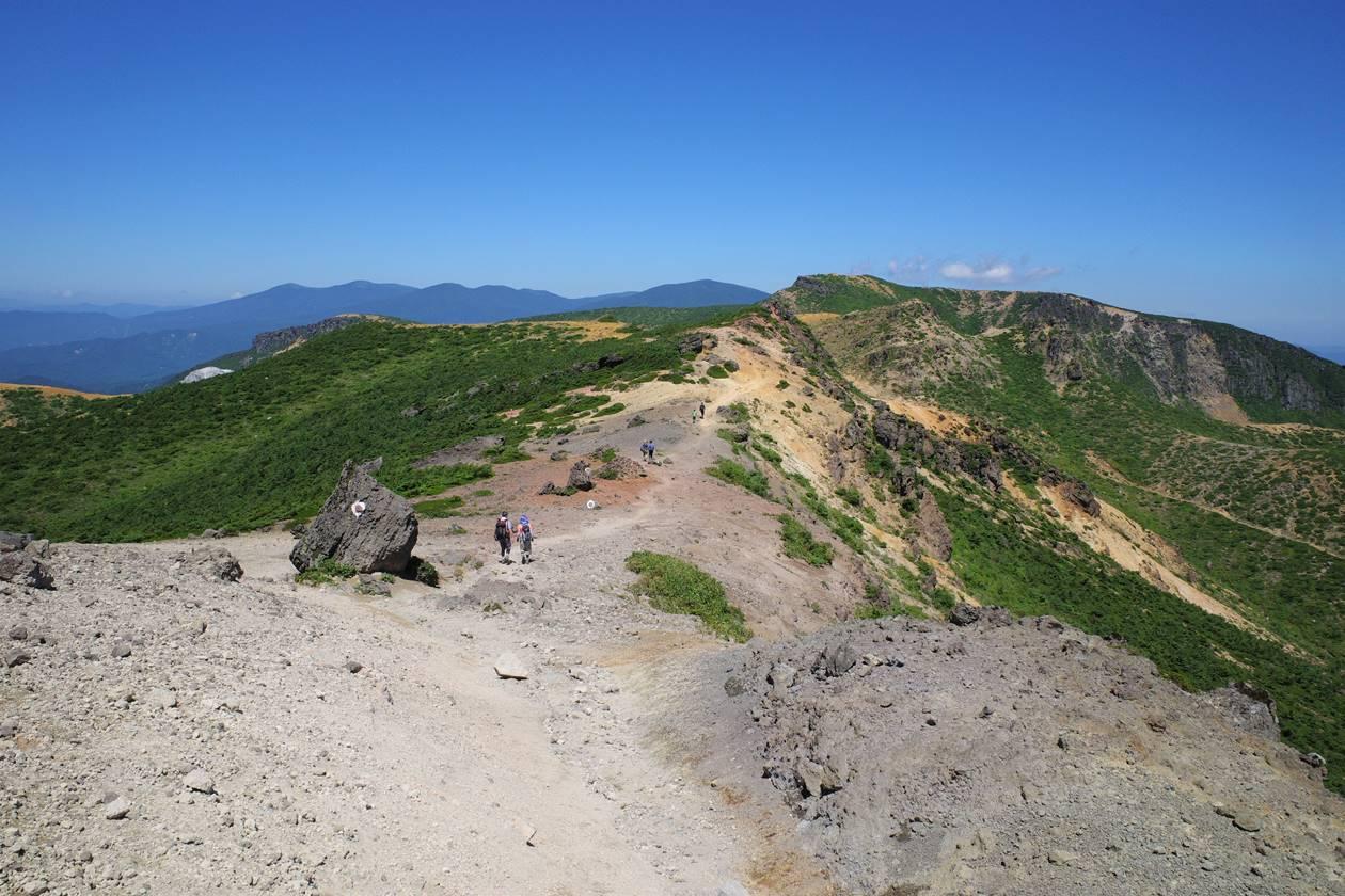 安達太良山 牛ノ背の稜線