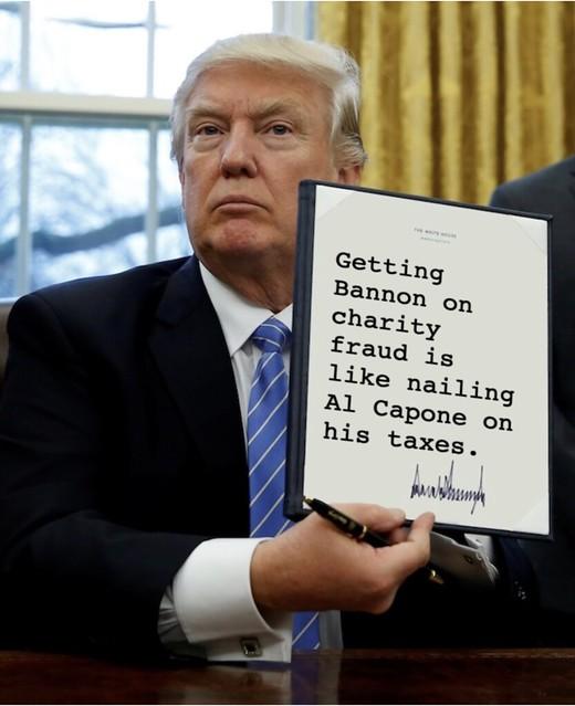 Trump_bannoncapone