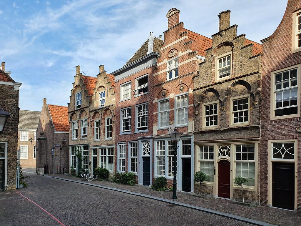 Dordrecht Dordtse gevels Hofstraatje