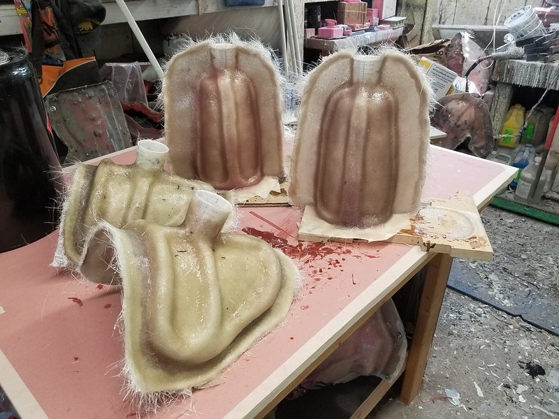 Shoulder and gauntlet mothermolds for 2nd Sister