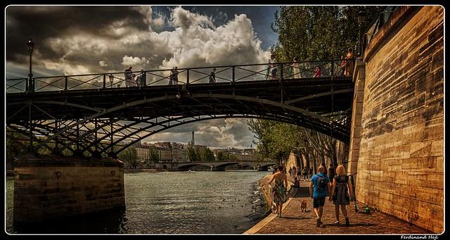 Paris_Seine_Pont des Arts_1er Arrondissement