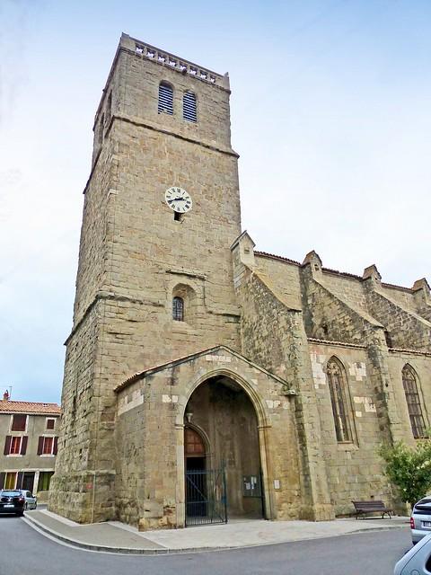 France, le village d'Azille, l'église Saint-Julien-et-Sainte-Basilisse date du XIVe siècle
