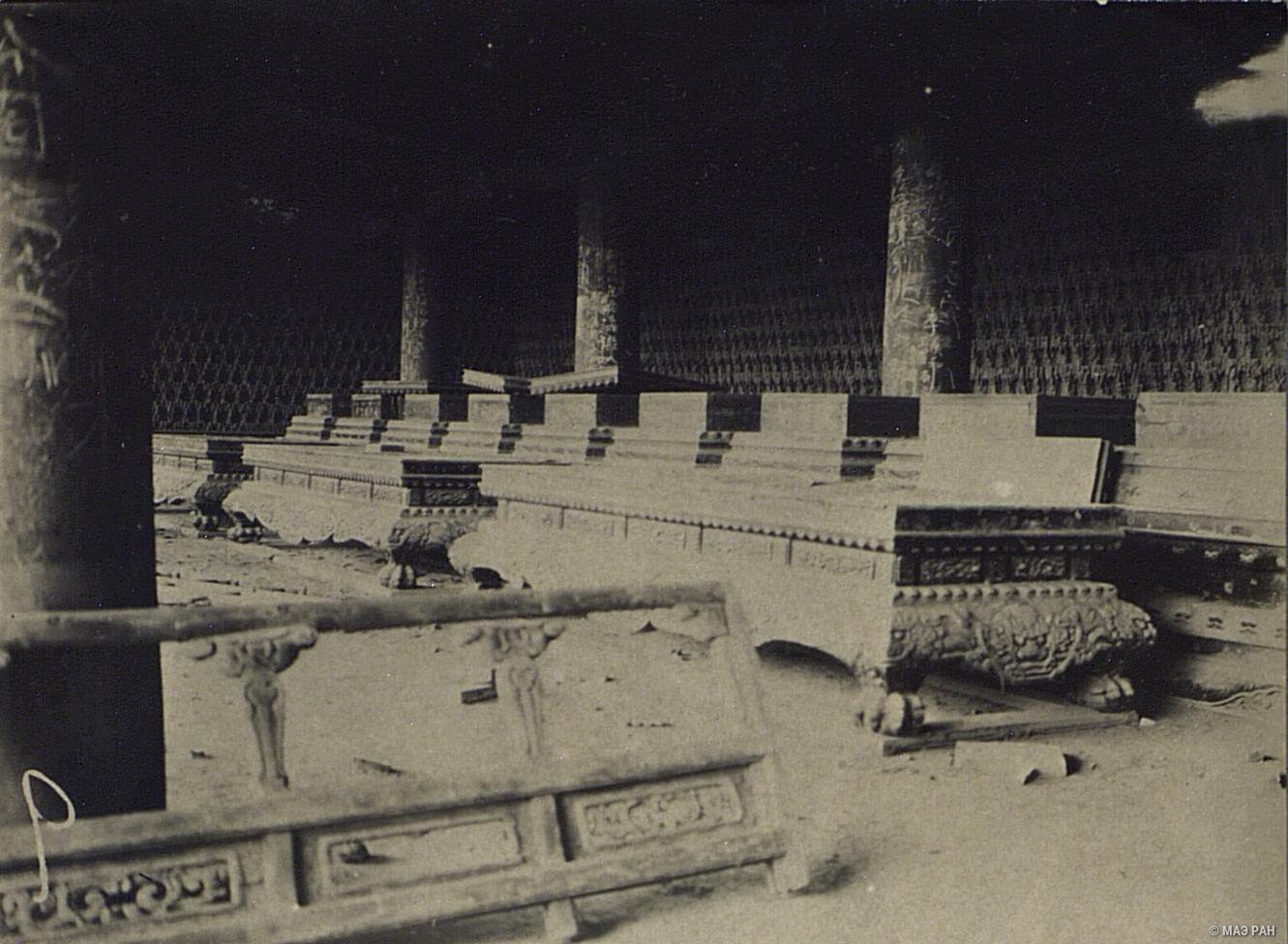 Разрушенный буддийский храм в Пекине