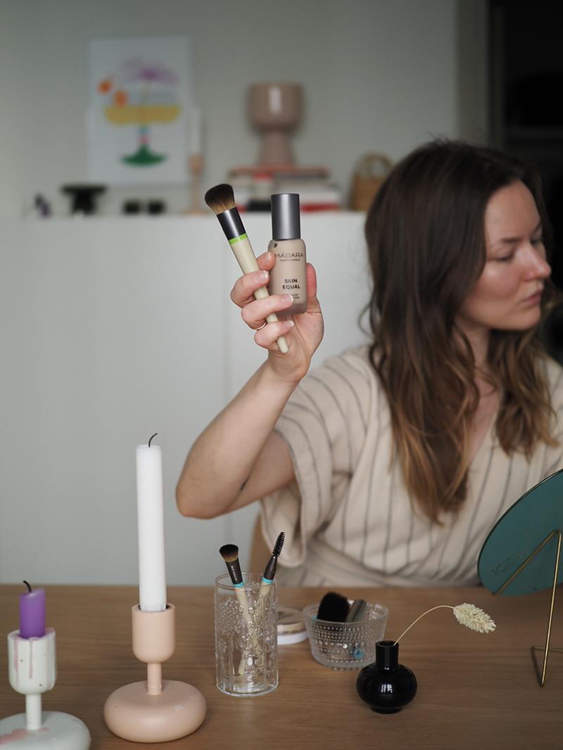 Vaihdettavat päät meikkisivellin