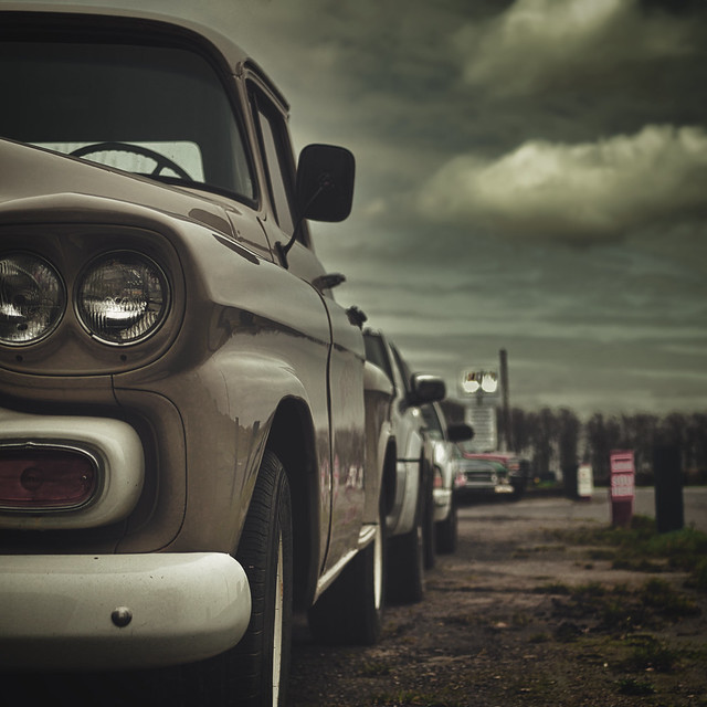 Chevy Stepside (dusk)