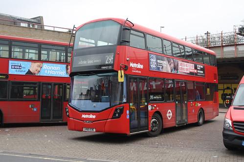 Metroline VWH2125 LK65EBC