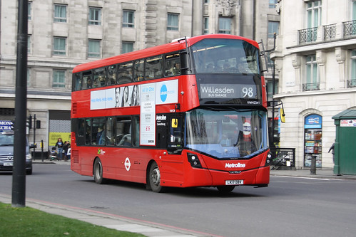 Metroline VWH2341 LK17DBV