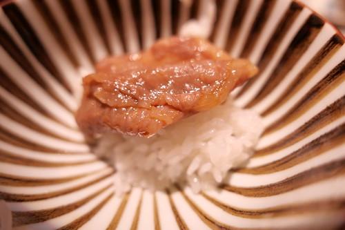 黒毛和牛ロースの燻しすき焼き on the rice 食べ比べ