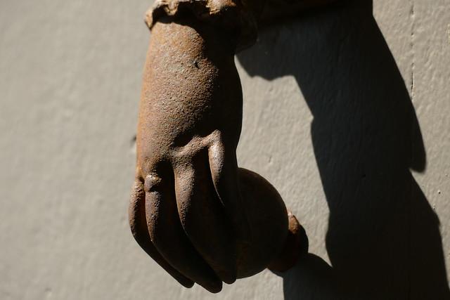 Parle à ma main ???!!! (connasse) 50259665576_bdf9892da9_z