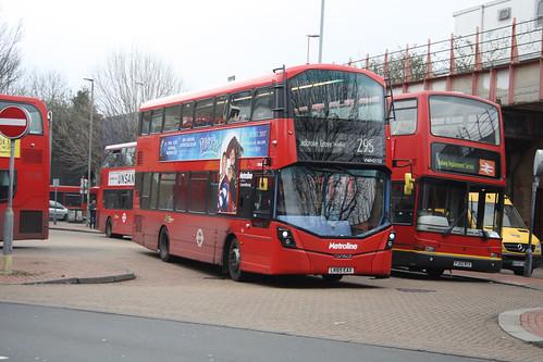 Metroline VWH2122 LK65EAX