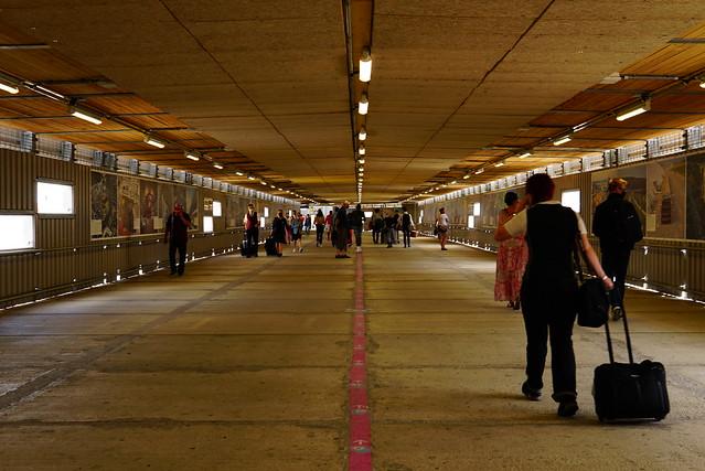 Stuttgart main station: temporary passenger tunnel