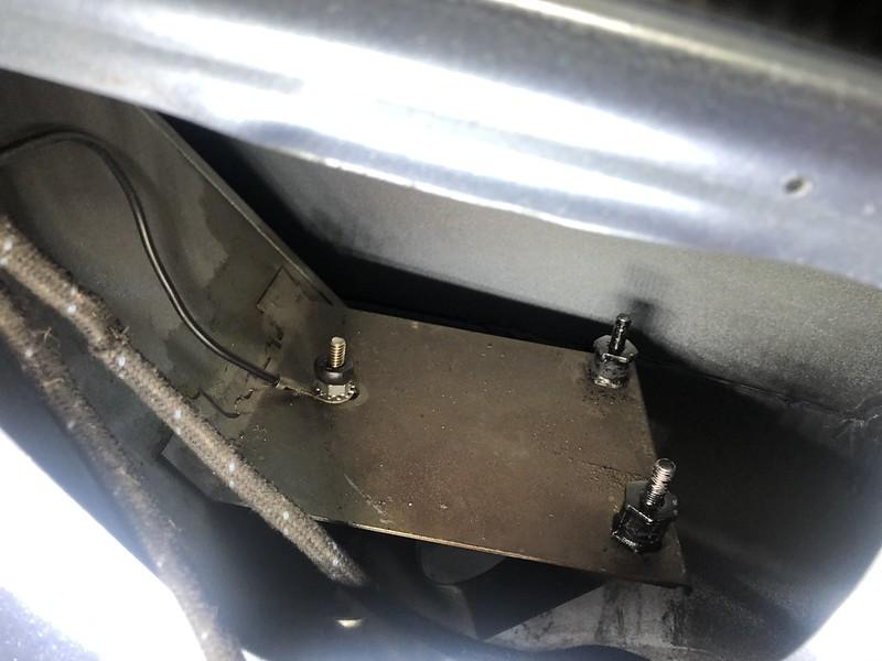 E-Type fuel pump isolators