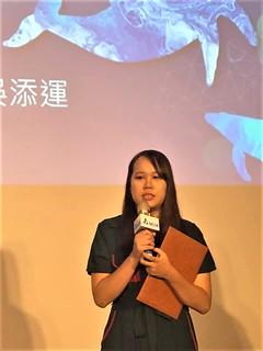 改編組首獎《鯨嘆之歌》,作者之一黃維婷,期待大眾去反思人類是否能減緩對環境的耗損。(攝影/蕭紫菡)