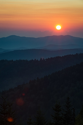 tennessee smoky smokymountains smokies mountains clingmans dome gsmnp nps great national park sun sunset layers orange nikon