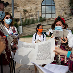 WomenoftheWall_ES_06