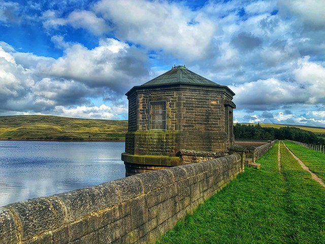 The pump house, the reservoir, and the pylon     -      Burnley district