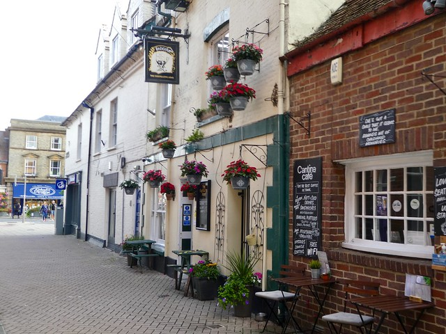 Pubs and cafes in Wimborne Minster