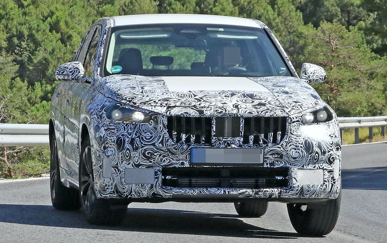2023-BMW-X1-spy-shots-3