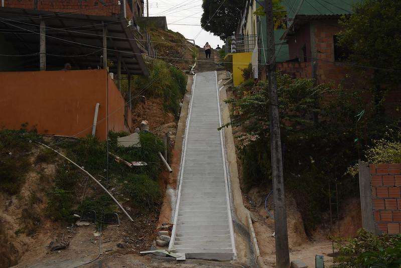 24.08.2020 Construção de escada de acesso aos moradores do bairro Jorge Teixeira