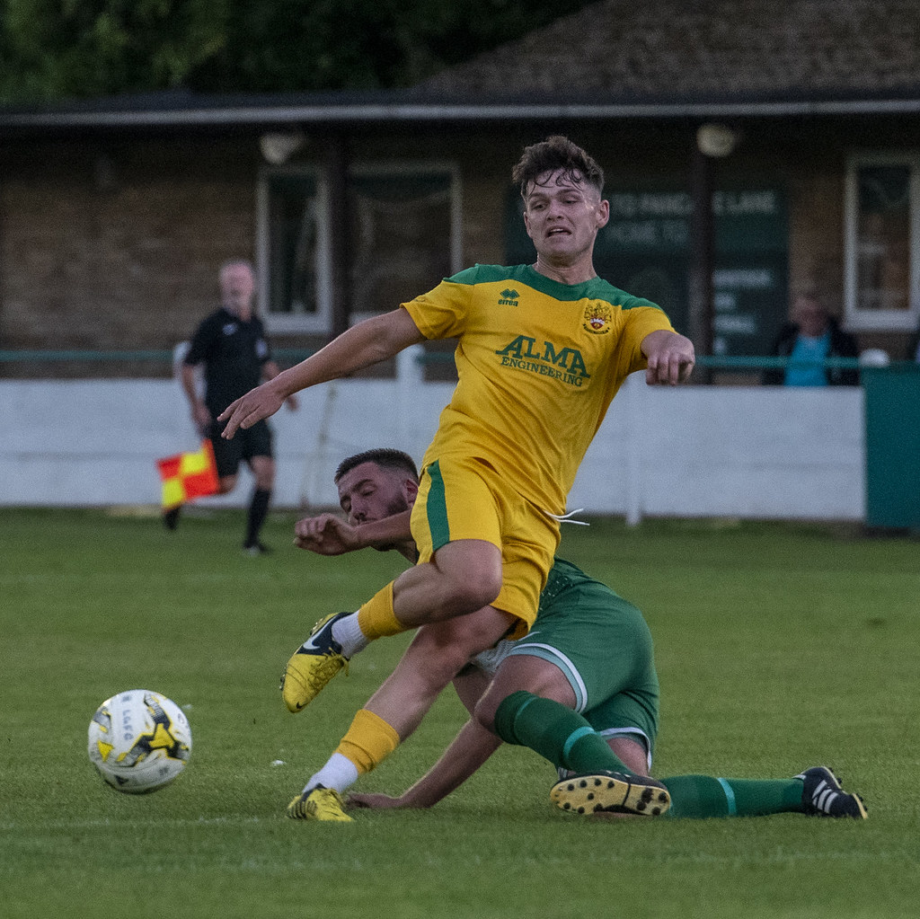 Leverstock Green 0-3 Hitchin Town