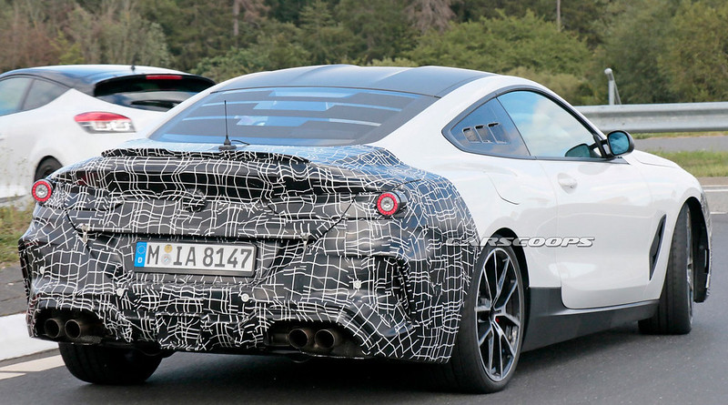 Mid-Engine-BMW-M8-17