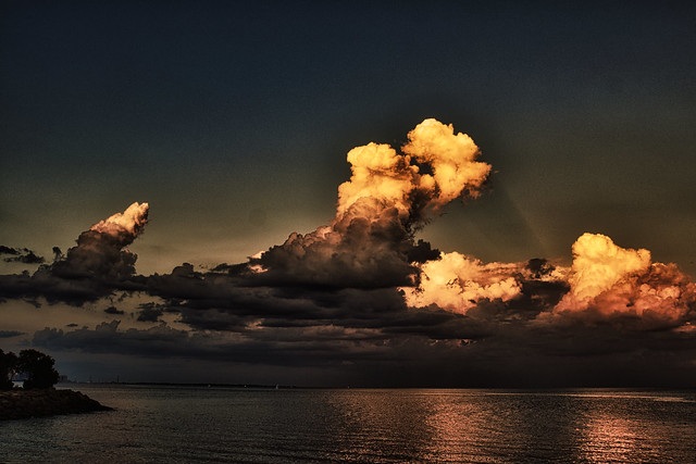 More freaky clouds over Lake Ontario