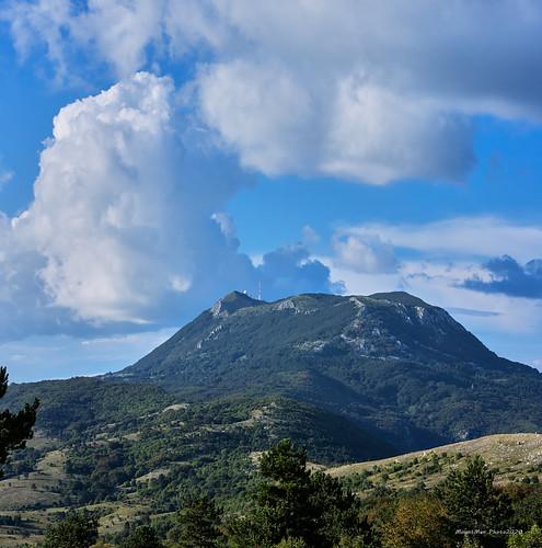 učka opatija liburnija primorskogoranska croatia istra landscape planine mountains zelenilo greenery oblaci clouds flickrunitedaward krajolik