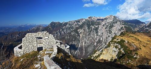 italy vicentinskealpe lesinija montelessini castelgaibana italia vicenzaalps outdoors outside hiking landscape panorama mountain