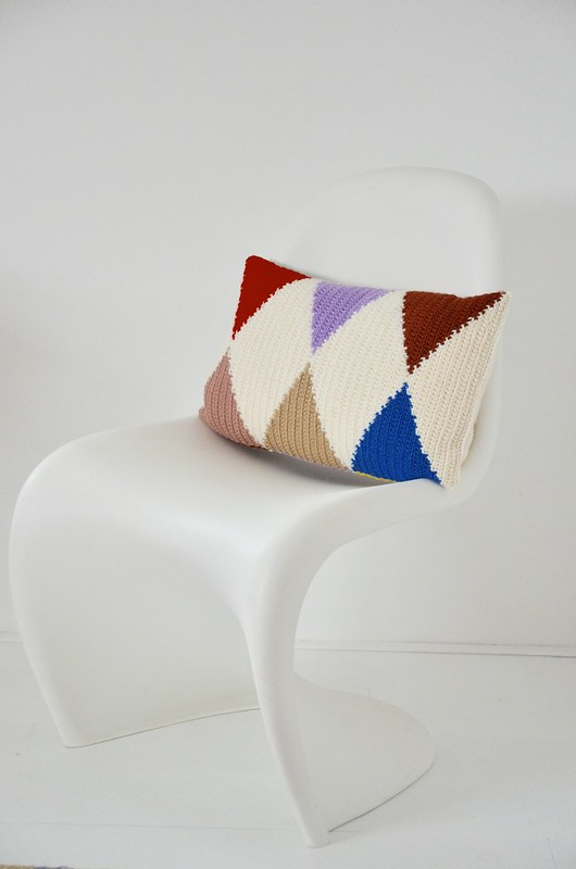 woodwoolstool harlequin pillow pattern