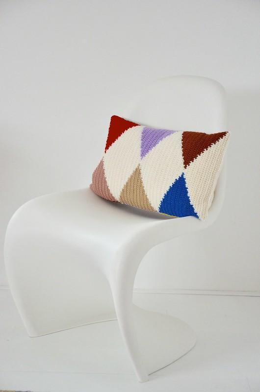 woodwoolstool harlequin pillow pattern
