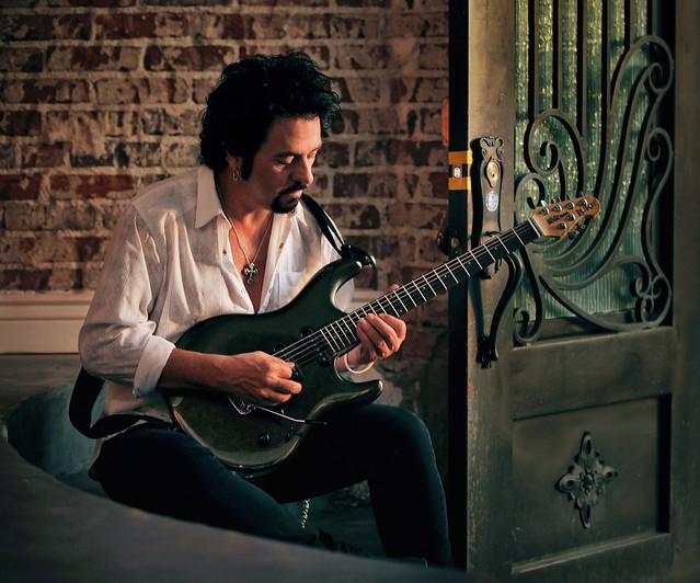 Steve-Lukather-RGB03-credit-Rob-Shanahan