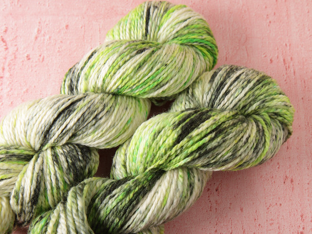 Awesome Aran – pure British superwash wool hand-dyed yarn 100g – 'Toxic'