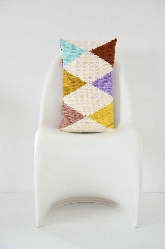 woodwoolstool harlequin pillow & pattern