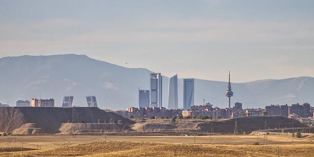 La mejor panorámica improvisada que pude hacer de Madrid un día de verano a media tarde...
