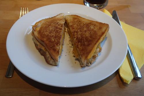 Mein Easy Diner-Style Tuna Melt (also Heißes Thunfisch-Sandwich auf Art us-amerikanischer Diners)
