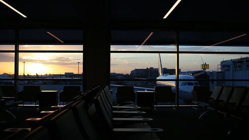 skyharbor airport arizona places phoenix terminal3 sunrise am early morning firstlight transportation empty