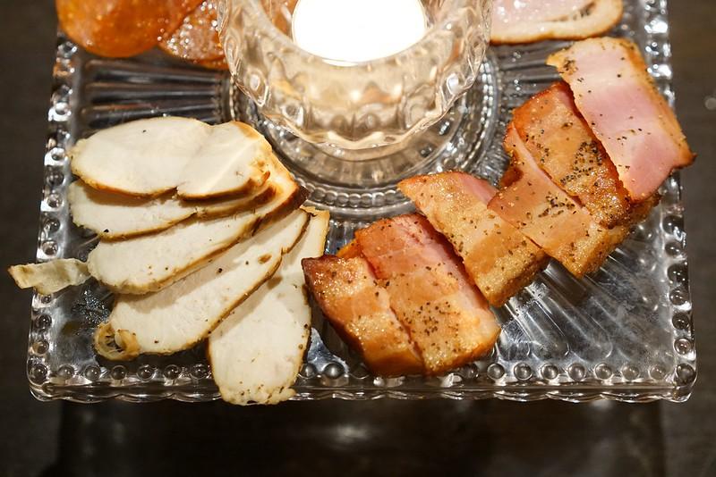 上野HAZE_燻製肉盛り合わせ03