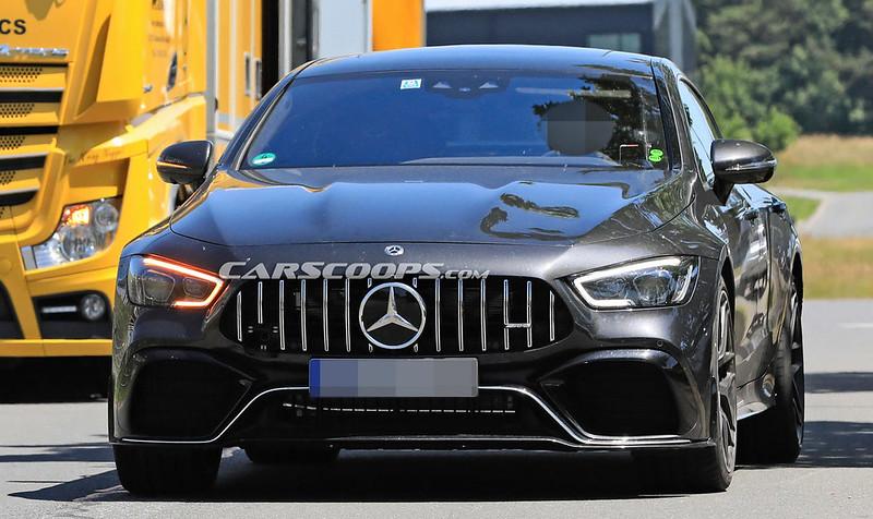 Mercedes-AMG-GT-73-2