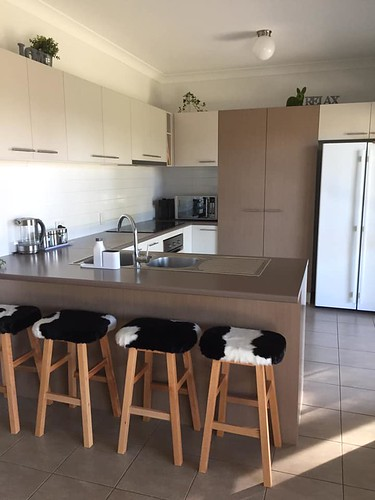 best kitchen with stools