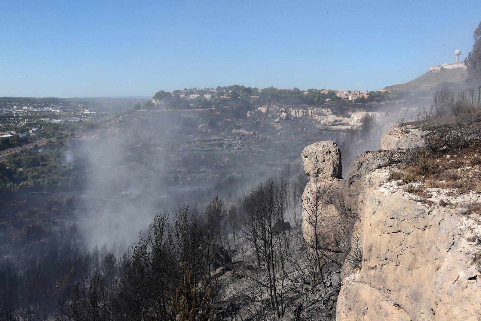 Une saison feu de forêt intense pour les Pompiers13